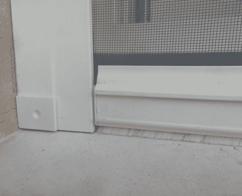 moustiroll-détail-joint-brosse-barre-de-charge